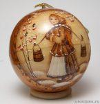 Новогодний шар «Девица с коромыслом»